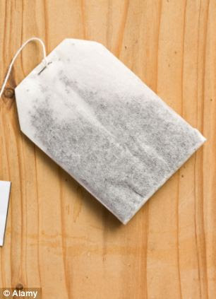Steep a few teabags in boiling water for ten minutes, allow to cool and apply liquid to the insect bite using a cloth. It helps to relive inflammation