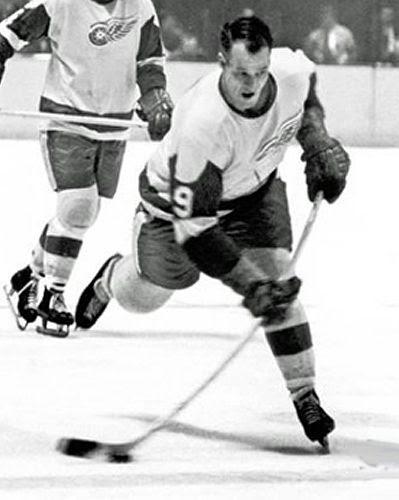Gordie Howe photo Howe Red Wings.jpg