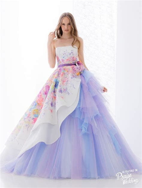 This Hardy Amies London bridal gown featuring watercolor