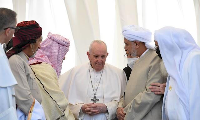 Papa Francisco deixa o Iraque após visita de três dias