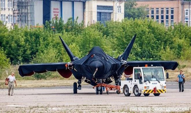 В сеть утекли первые фото новейшего российского истребителя
