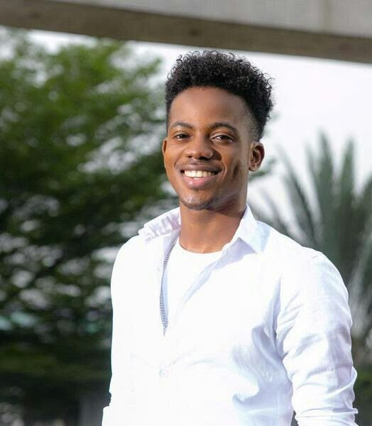 17 Best Images About Fashion Monitor Journalism Awards: Korede Bello Graduates With Distinction From Nigerian