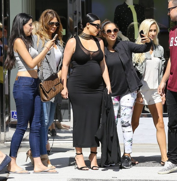 Pregnant Kim Kardashian Lunches With A Friend In Beverly Hills