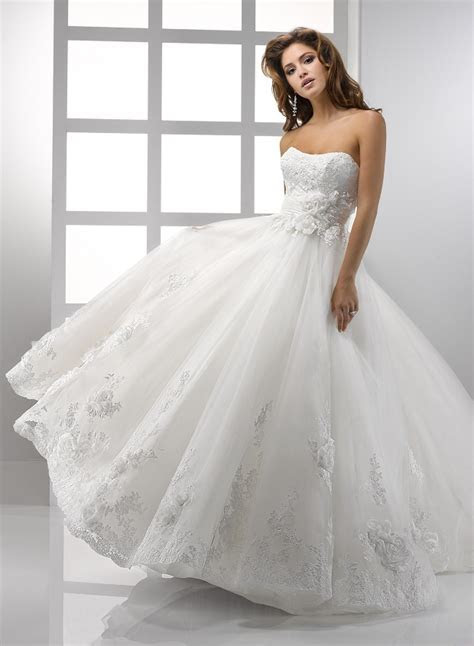 Wedding dress style   what does it reveal about your