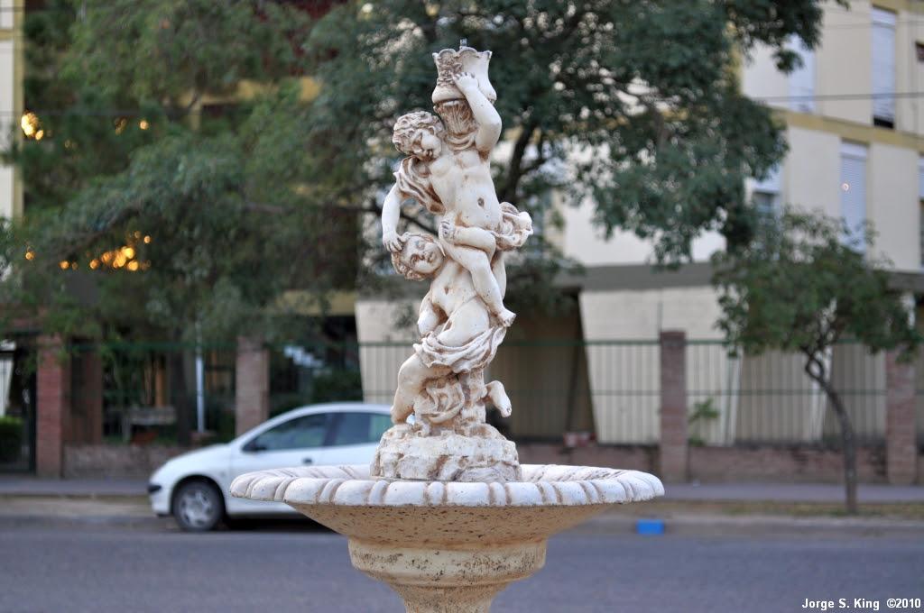 Fuente y escultura