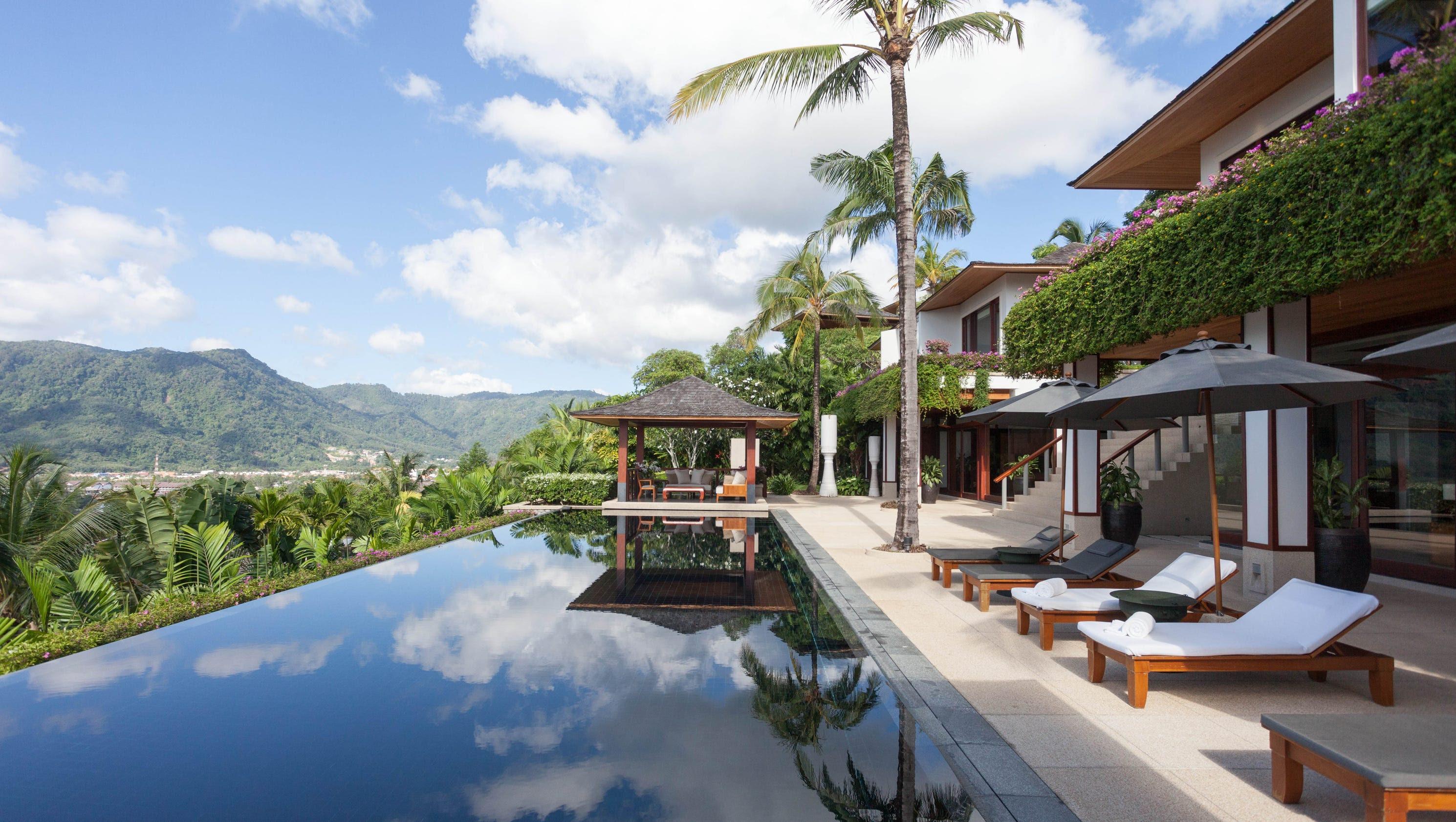 Photo tour Stunning luxury resorts in Phuket Thailand