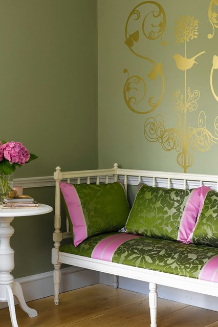 26 Relaxing Green Living Room Ideas by Decoholic | Bob ...