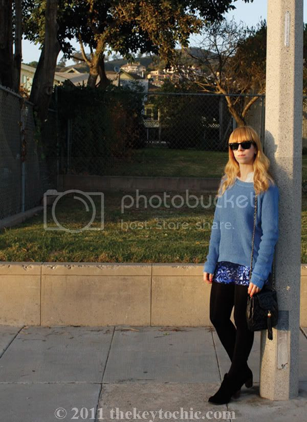 Forever 21 sequin shorts, Old Navy textured sweater, Dolce Vita Jamison boots, Los Angeles fashion blog