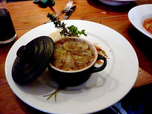 Oxtail hot pot