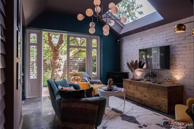 Εκλεκτικά σαλόνια με τούβλα: Chic Συρροή χρώματος και μοτίβο