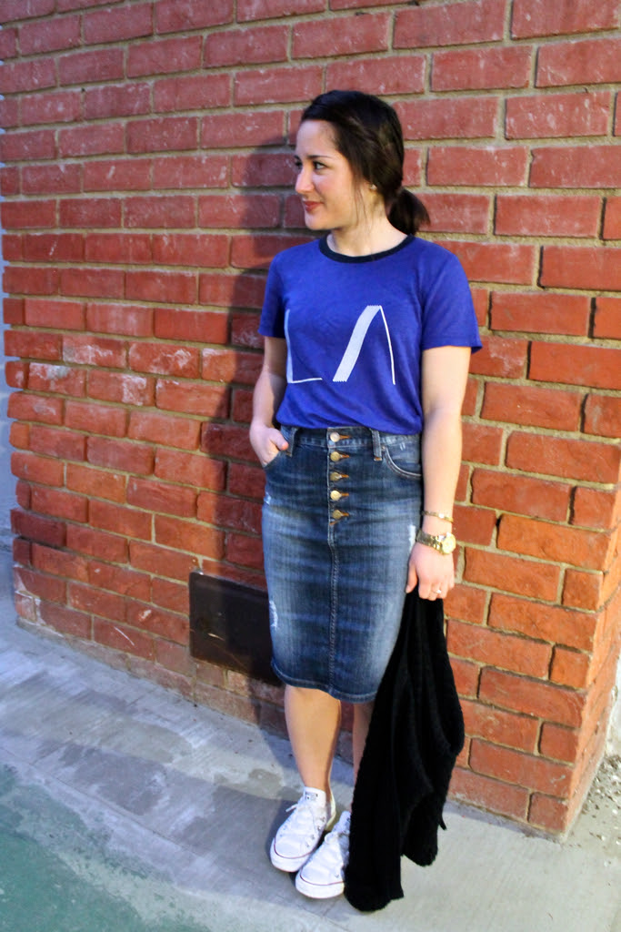 high-waisted retro denim skirt and printed tee