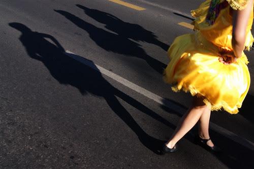 Sombras bailarinas by Alejandro Bonilla