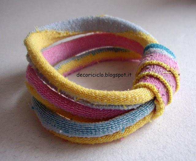 riciclo calzini bracciali ed elastici per capelli 4