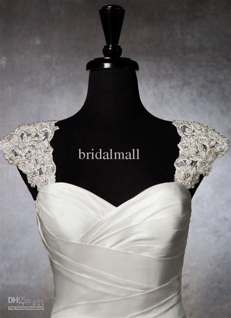 2015 Romantic Exquisite Beaded Bridal Wraps Detachable Cap