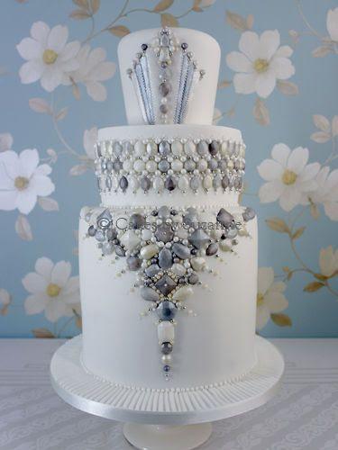 1000+ images about Jeweled Cakes on Pinterest | Cakes, Wedding ...