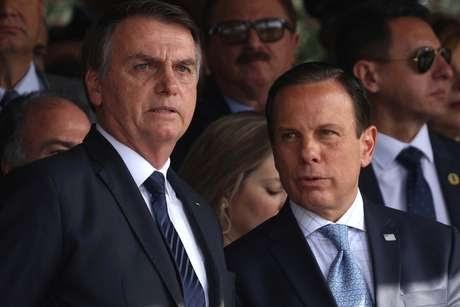 Bolsonaro acusa Doria de aumentar impostos na pandemia
