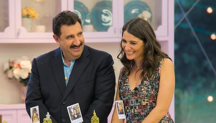 Ratinho e Carol Fiorentino no comando do Bake Off Celebridades (Foto: Artur Igrecias/SBT)