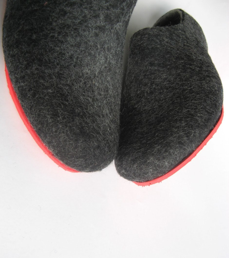 Eco Friendly Slippers: Felted Wool Slippers, Wool Boots, Cat Beds: Eco Friendly