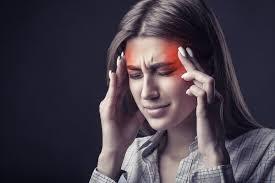 सिर दर्द को न करें नजरअंदाज पड़ सकता है भारी ? जानें अचूक घरेलू उपाय