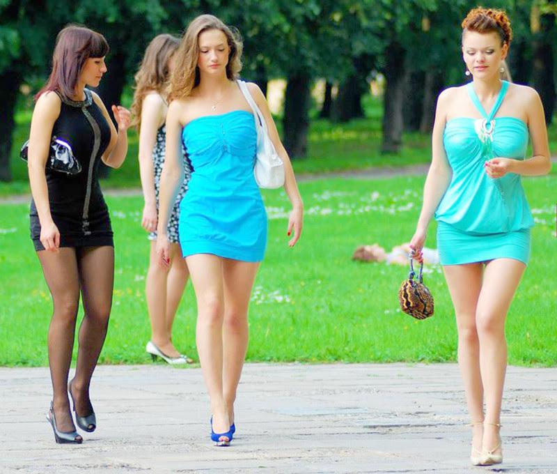 Скоро на всех улицах страны девушки, красота, ножки