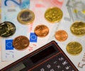money_euro_coins_banknotes_calculator_budget
