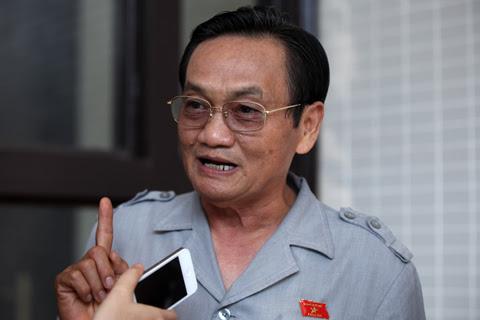 bỏ phiếu tín nhiệm, Trần Du Lịch