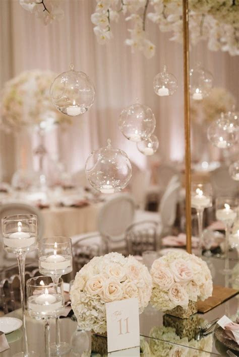 All White Glamour in California Wedding   MODwedding
