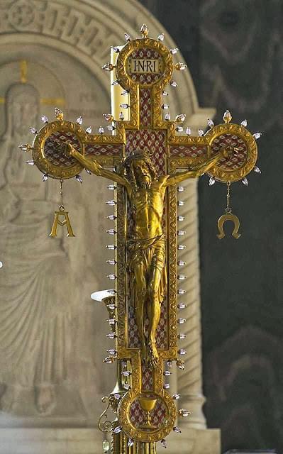Crucifixo, catedral católica de Westminster, Inglaterra