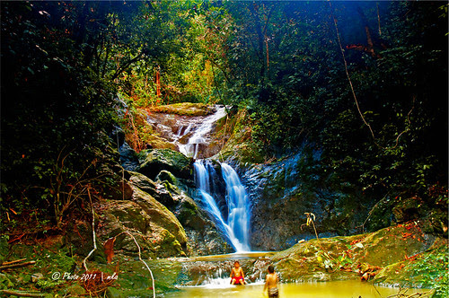 Water Fall In Taliwas by mkajunai