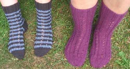 Enkle hullmønstrede sokker