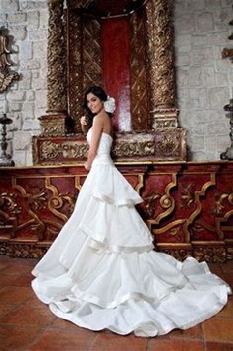 #Novias #Vestido Ximena Navarrete   Beautiful   Pinterest
