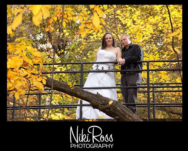 bride&groom-bridge-leaves