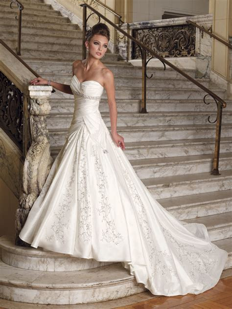 How to Find a Cheap Wedding Dress   WeddingElation