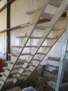 Barn Loft Stairs Steps Center Bracing