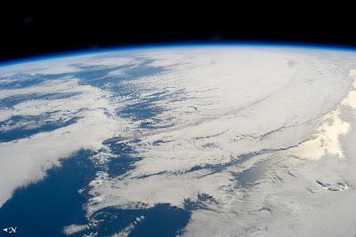 La erupción del volcán Pavlof vista desde la Estación Espacial