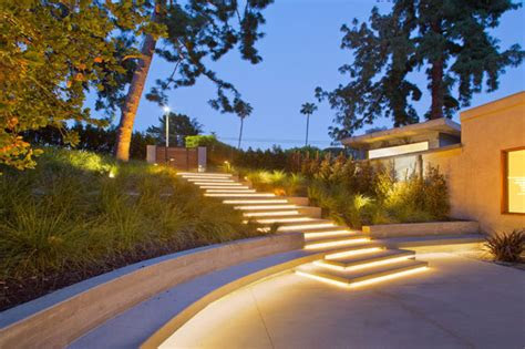 outdoor lighting ideas  inspire  spring backyard