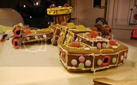photo 11CoolestGingerbreadHouses_zps73b08bd5.jpg