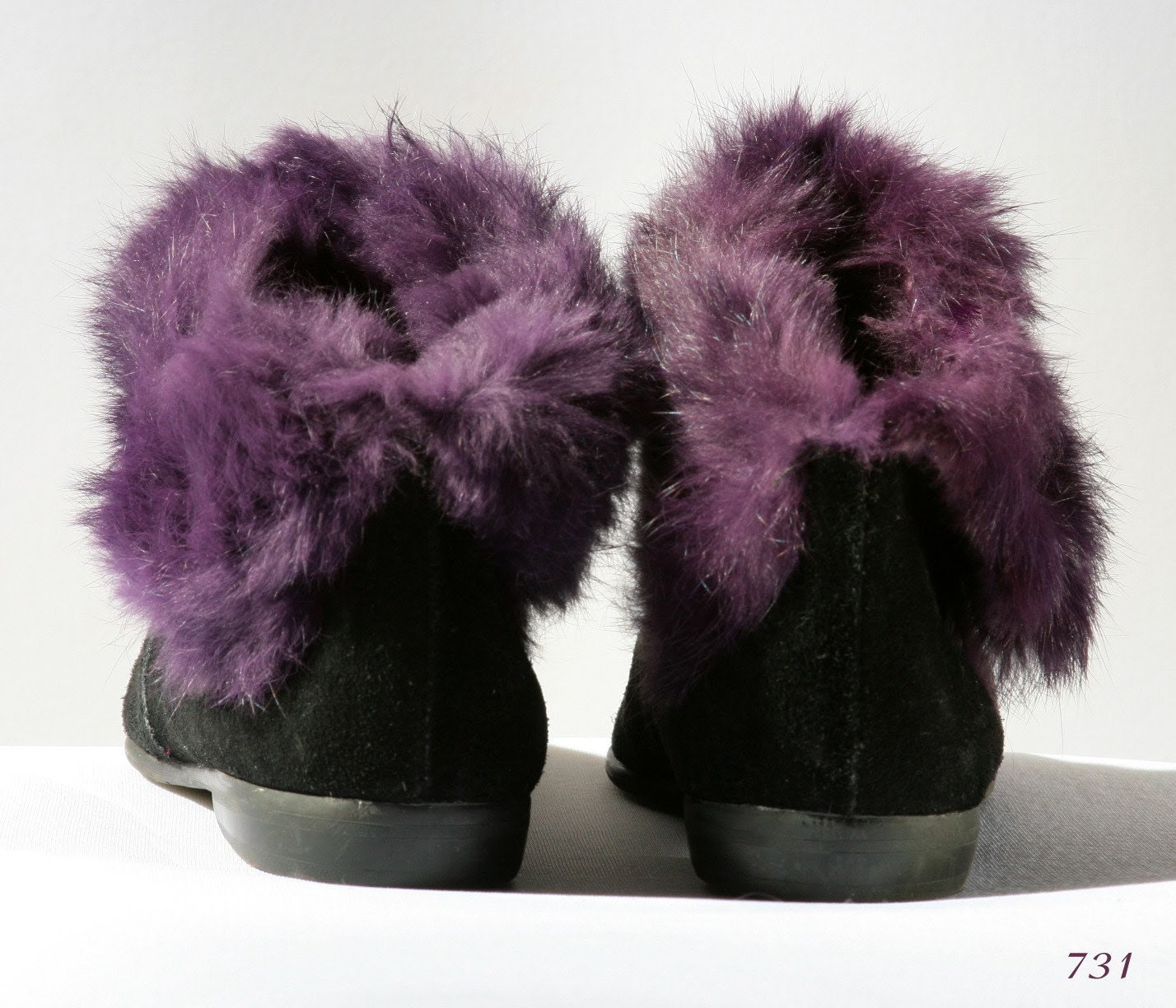 Vintage black SUEDE PIXIE BOOTIES with PLUM purple FOX  FUR, size 5 1/2 , EUR 35