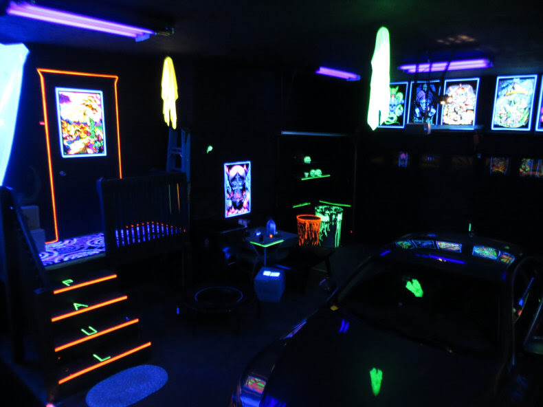 Check out my Blacklight Garage!