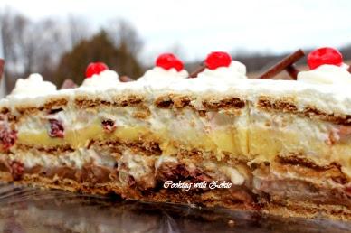 Torta sa turskim keksom i višnjama