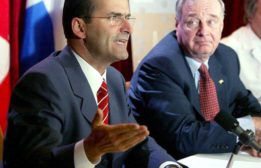 Jean Lapierre fera un retour en politique fédérale active en 2004 lorsque Paul Martin est élu chef du Parti libéral du Canada.