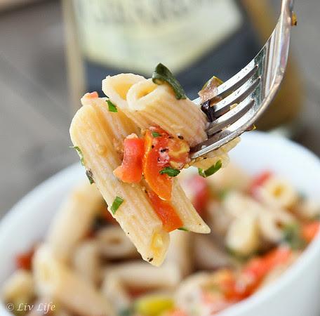 No-Cook Heirloom Tomato Sauce