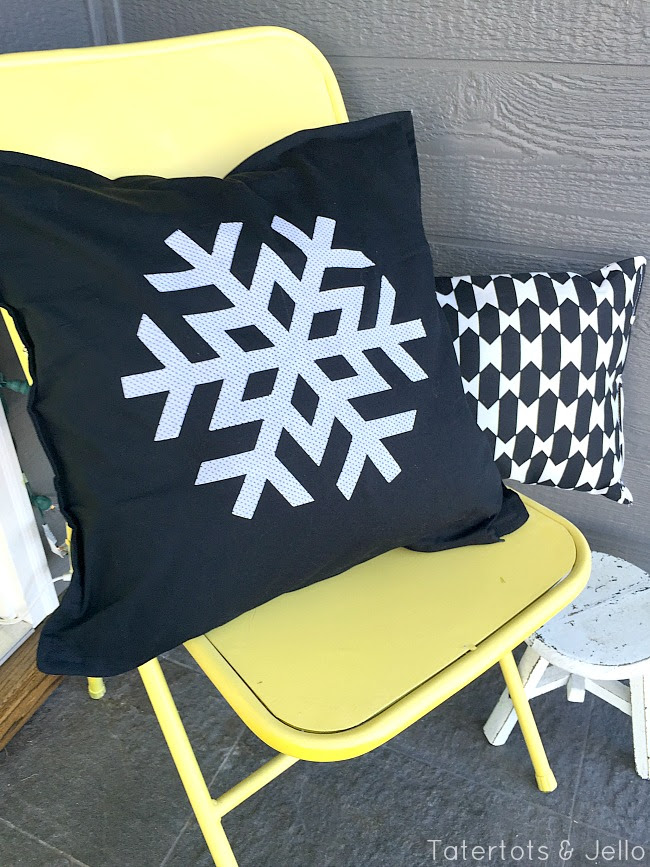 tatertots ve jöle de kar tanesi yastıklar sundurma