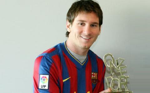 http://wallpaper-sports123.blogspot.com/2012/06/messi.html