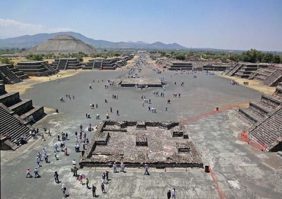 teotihuacan-plaza-at