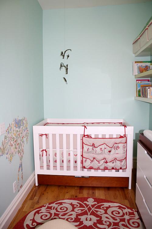 blog daisad mais: Small Space Nursery Storage Ideas