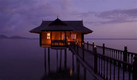 10 Insane Floating Hotels In Malaysia So You Can Teleport