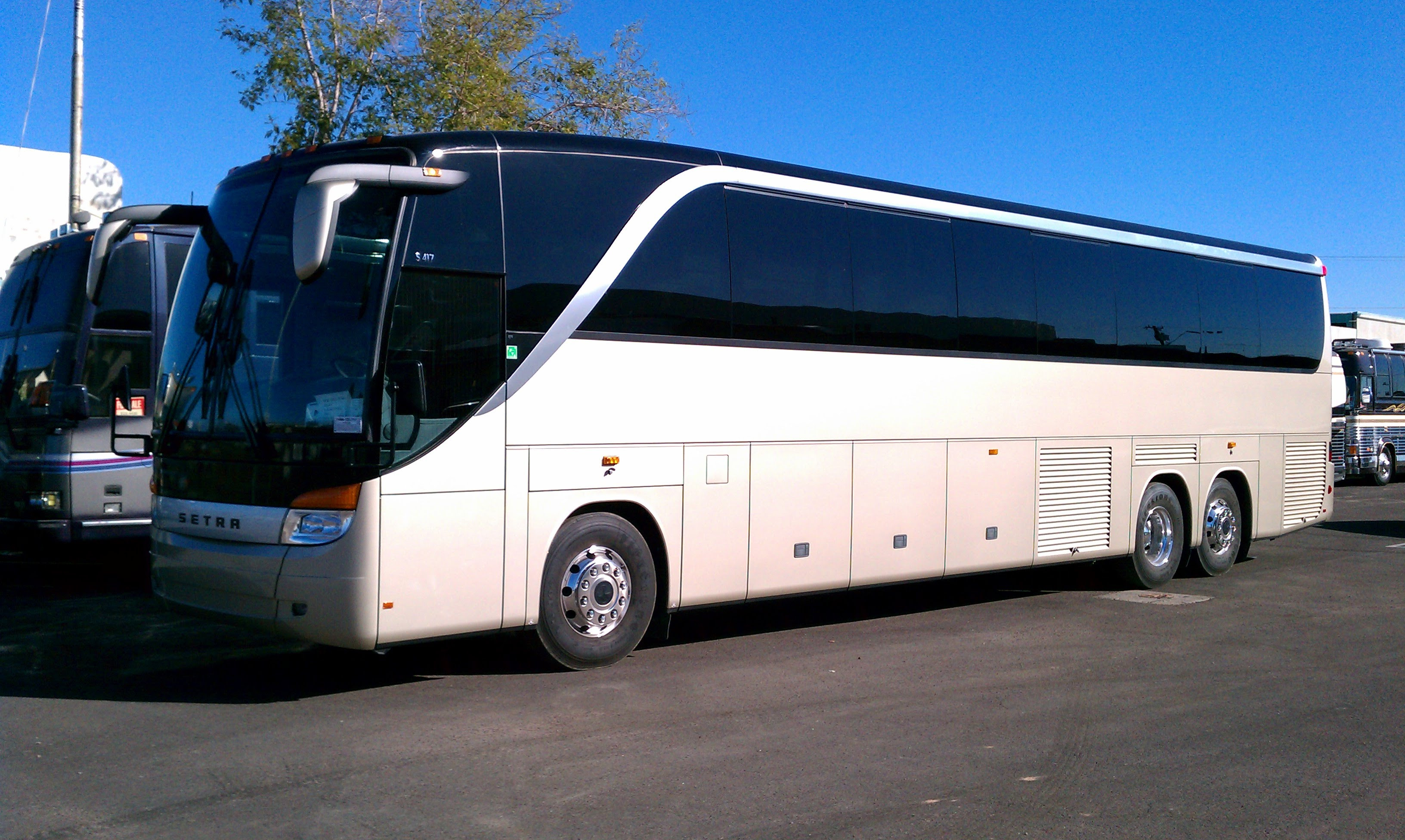 City Tour Bus Services by charter bus / Motor coach buses