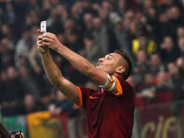 tự sướng, iPhone, Totti