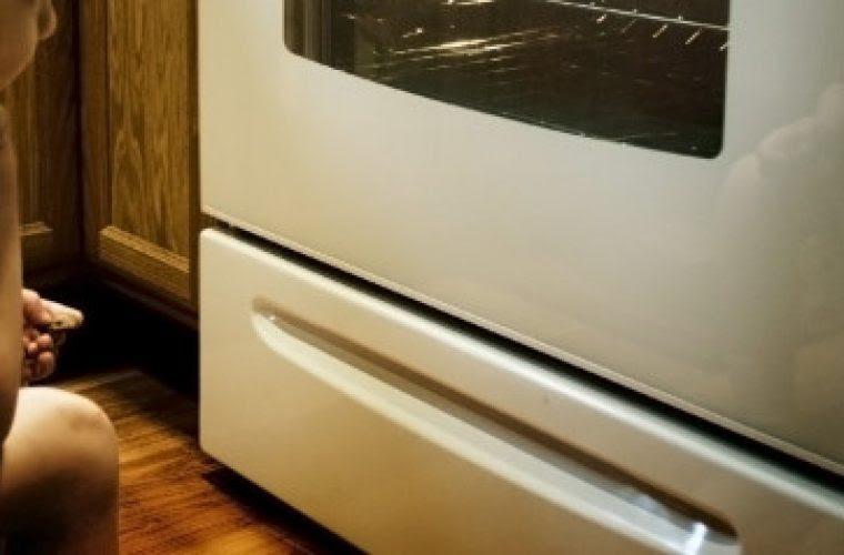 Δεν έχετε ιδέα σε τι χρησιμεύει το συρτάρι κάτω από τον φούρνο σας (και όχι δεν είναι για τα ταψιά)